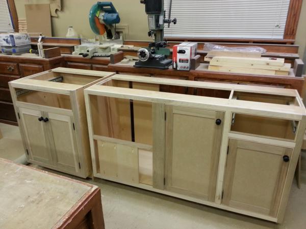 Fabrication d 39 armoire de cuisine style shaker la r f rence - Fabriquer caisson armoire ...