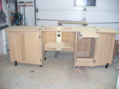 meuble pour machine a coudre et surjeteuse table de lit. Black Bedroom Furniture Sets. Home Design Ideas