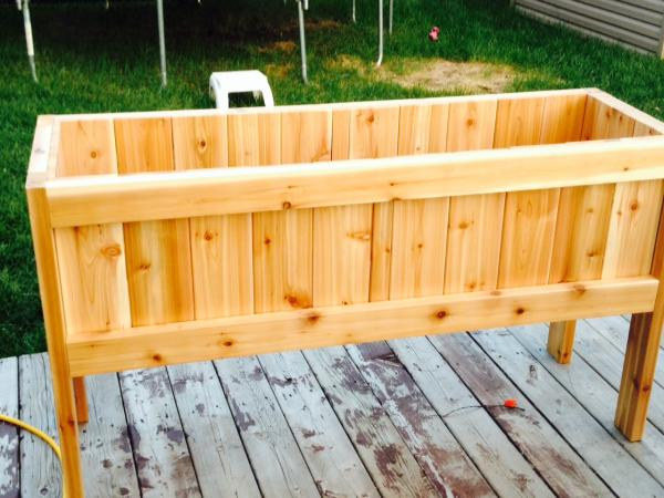 Fabrication jardiniere bois exterieur fabrication de la - Fines herbes en pot interieur ...