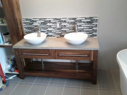 Dessus de comptoir salle de bain id es for Peinturer un comptoir de salle de bain