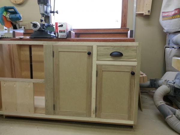 Fabrication d 39 armoire de cuisine style shaker forum la - Peinture d armoire de cuisine ...