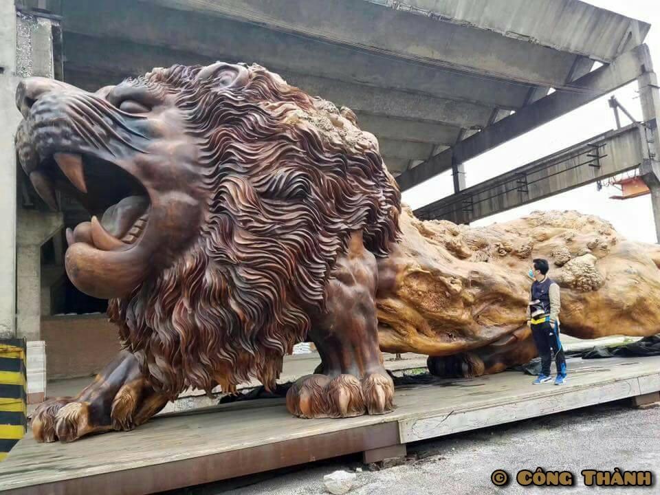 giant-lion-carving-5.jpg